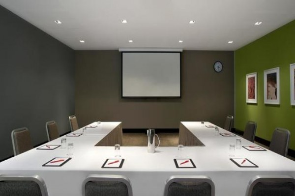 adina-apartment-hotel-conference-room-u-style.jpg
