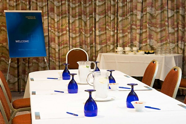 novotel-perth-langley-conference-room.jpg